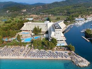 Airport Thessaloniki - Porto Carras Meliton Hotel (Ситониа - Неос Мармарас)